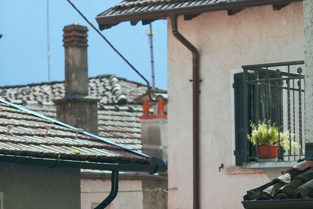 2021-03-23-Devia-Jet-Roma-colonne-di-scarico